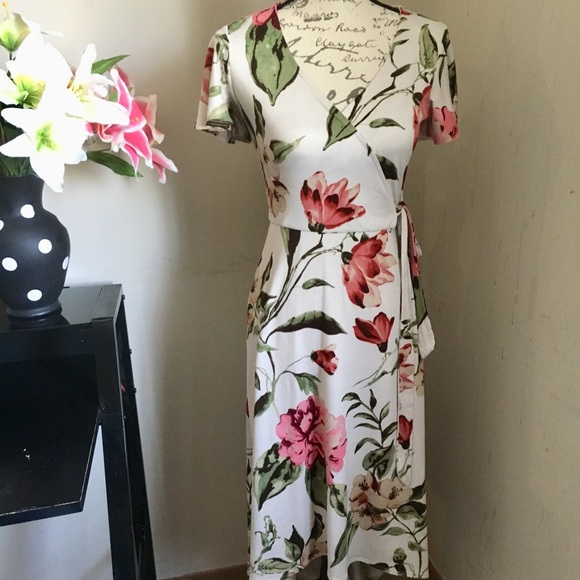 by & by Dresses & Skirts - Beautiful floral dress for summer ❤️❤️😘😘